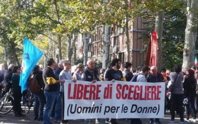 A Piacenza una manifestazione più unica che rara. Un corteo di uomini che scendono in strada contro la violenza sulle donne